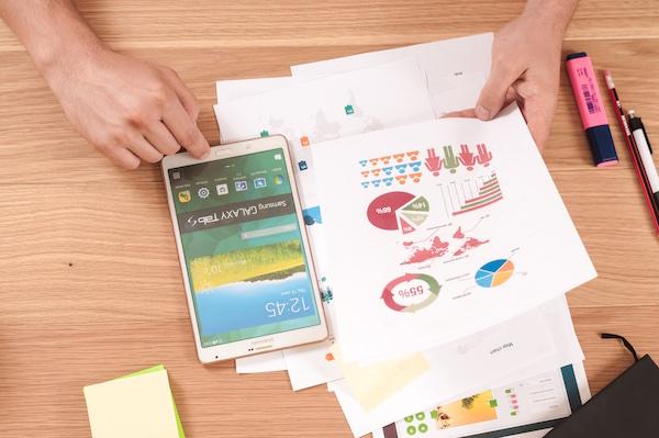 販売戦略を考える、売上を上げるための広告手段